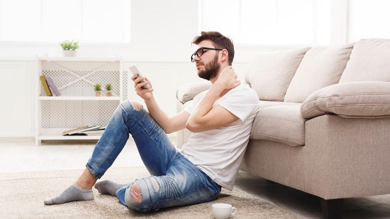 symptoms-of-smartphone-neck