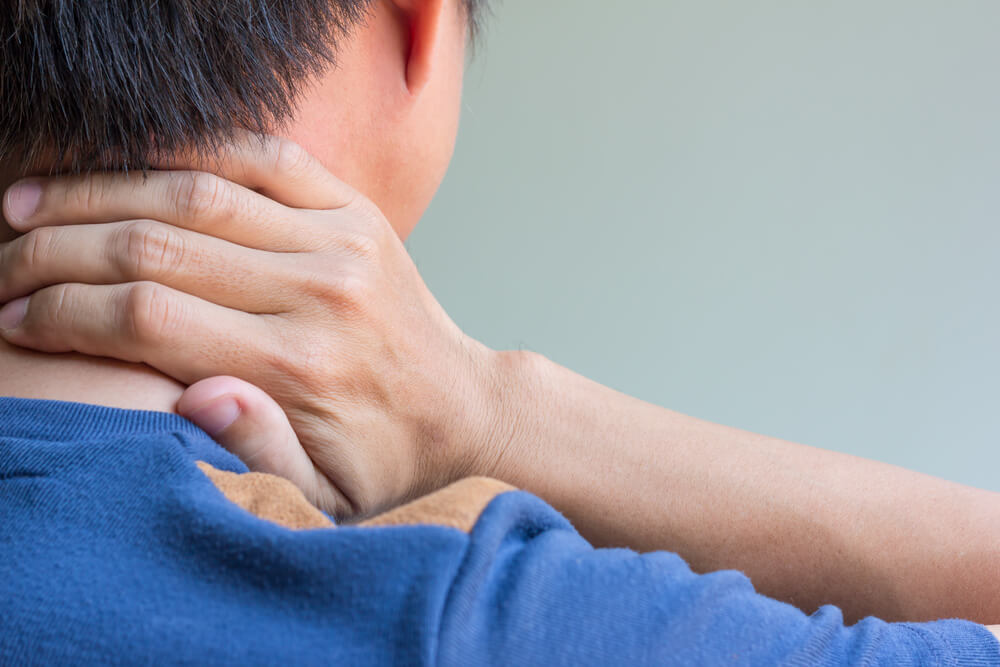 Text Neck: How Smartphone Use Addiction Can Cause Neck Pain