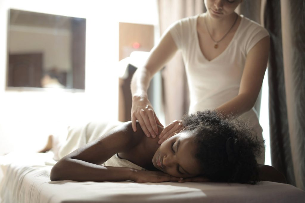 does massage help back pain