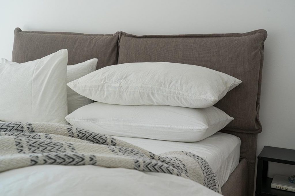 choosing pillow to support your neck