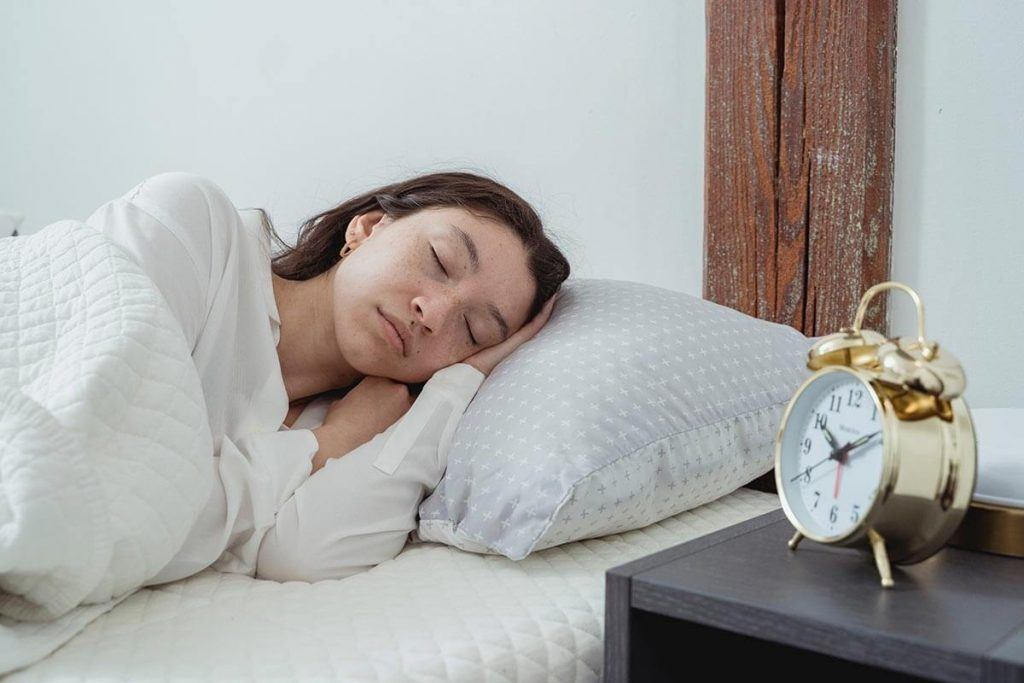 why do you have neck pain after sleeping